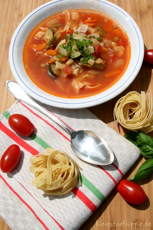 Minestrone Gemüsesuppe ein Rezept von vegan Blog Kleinstadthippie