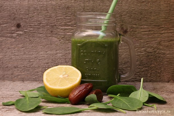 Green Smoothie Happy New Year