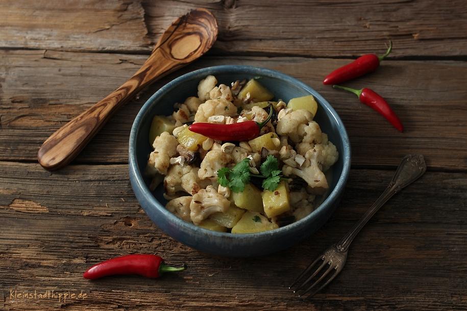 Orientalischer Blumenkohl-Kartoffel-Salat aus Vegane Lunchbox: Einfach, schnell, vegan – immer und überall von Jérôme Eckmeier