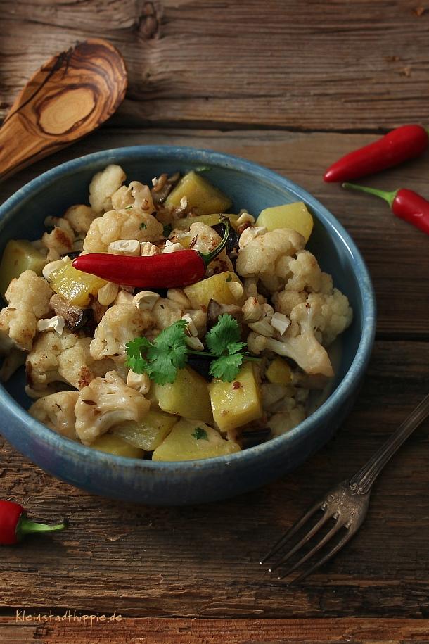 Orientalischer Blumenkohl-Kartoffel-Salat aus dem veganen Kochbuch »Vegane Lunchbox: Einfach, schnell, vegan – immer und überall von Jérôme Eckmeier