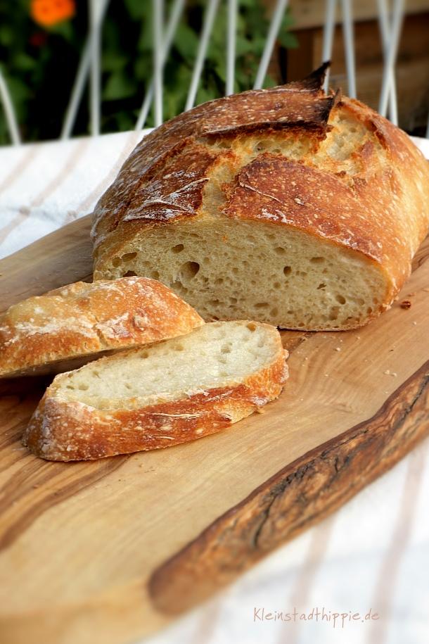 Brot ohne kneten im römertopf