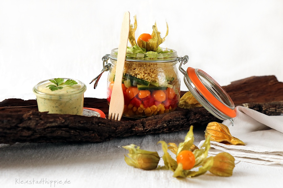 Salat to go mit Physalis
