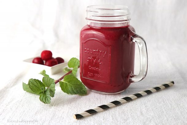 Rote Bete-Sauerkirsch-Smoothie