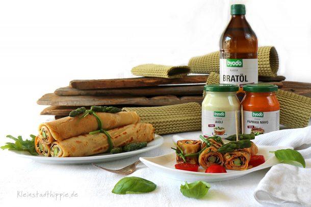 Pfannkuchenröllchen gefüllt mit Grillgemüse mit byodo-Paprika-Mayo