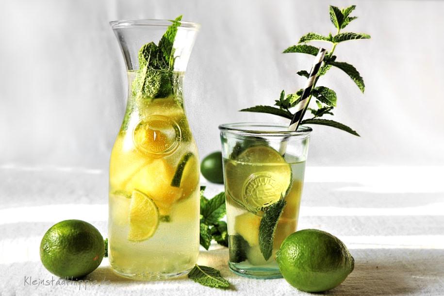Minz-Ananas-Limetten-Limonade