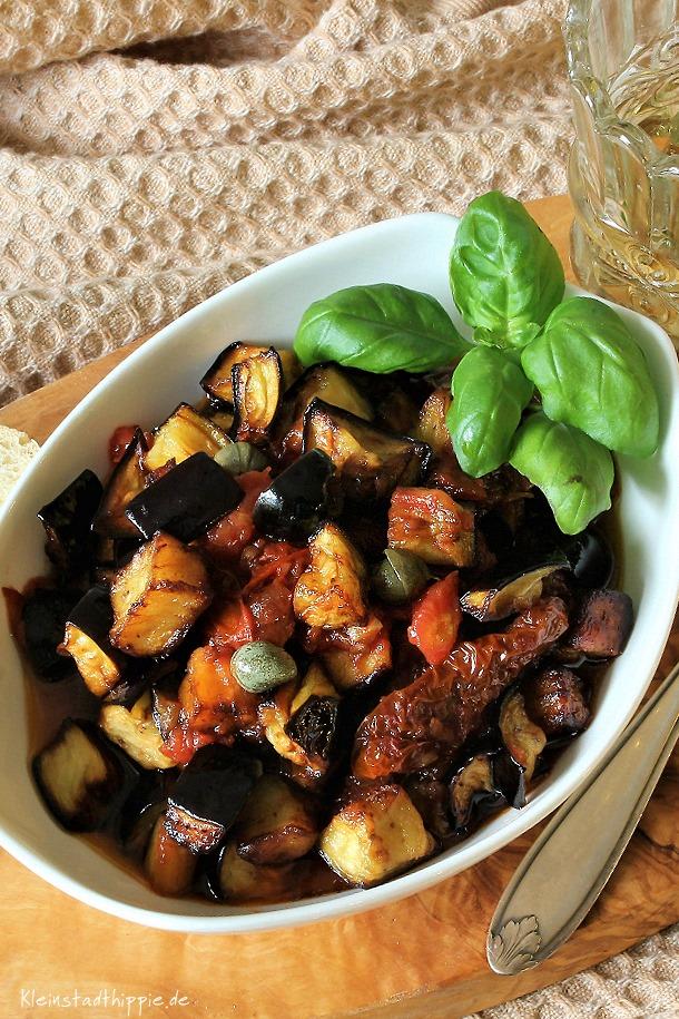 Gebratene Auberginen mit Tomatensauce /Melanzane fritte al pomodoro