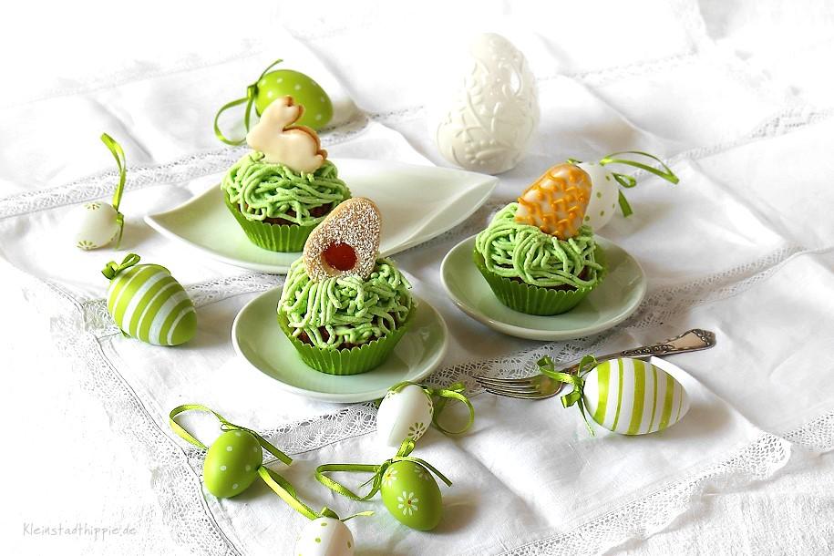 Oster-Cupcakes aus den Rezepten: veganer Karottenkuchen, vegane Rüeblitorte, vegane Buttercreme, Osterplätzchen
