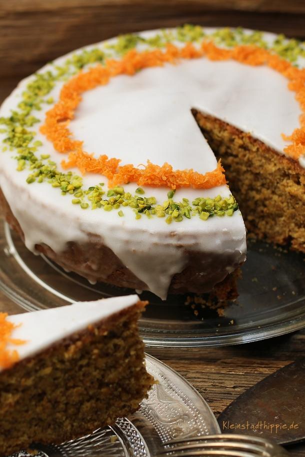 Karottenkuchen, Rüeblitorte vegan, veganer Möhrenkuchen, vegan backen