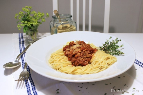 Veggie-Bolognese und Parme-Sesam