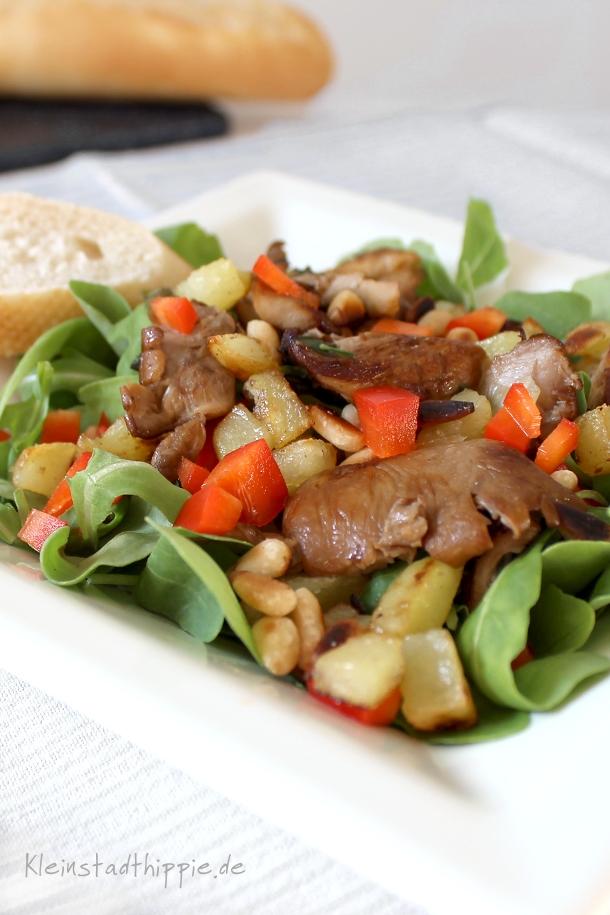 Rucolasalat mit Süßkartoffeln und Austernpilzen
