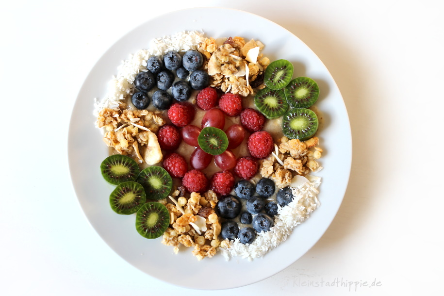 Yellow Smoothie Bowl von Kleinstadthippie vegan Food Blog