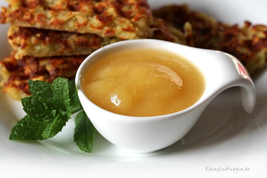 Kartoffelpuffer aus dem Waffeleisen mit Apfelmus - selbstgemachtes Apfelmus