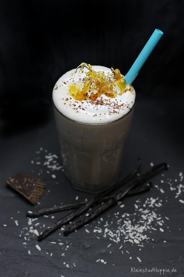 Kokos-Mandel-Shake  veganes Heißgetränk