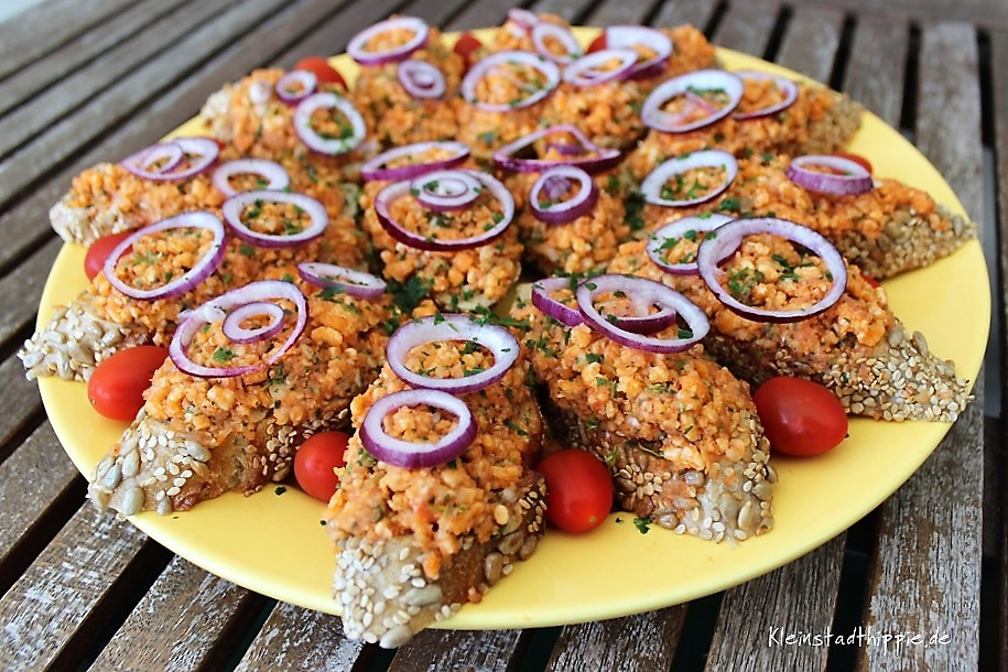 Veganes Mett - vegane Mettbrötchen - veganes Fingerfood