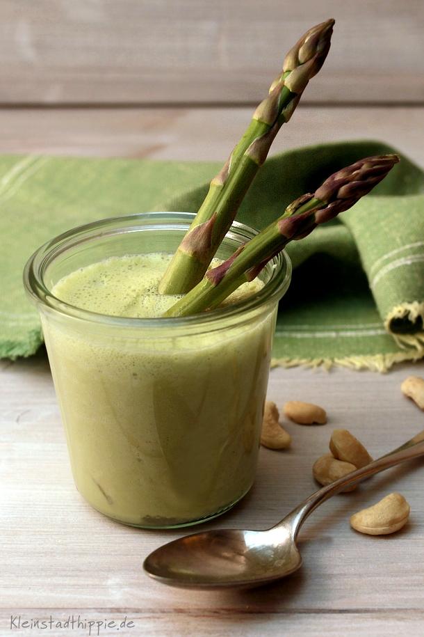 Spargelsuppe grün und roh von Kleinstadthippie vegan food blog