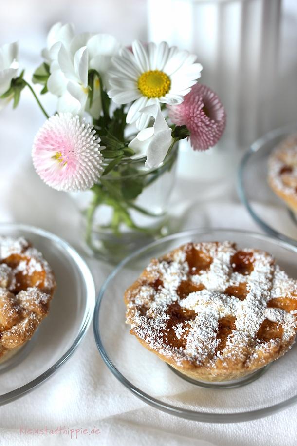 Crostatine mit Aprikosenmarmelade
