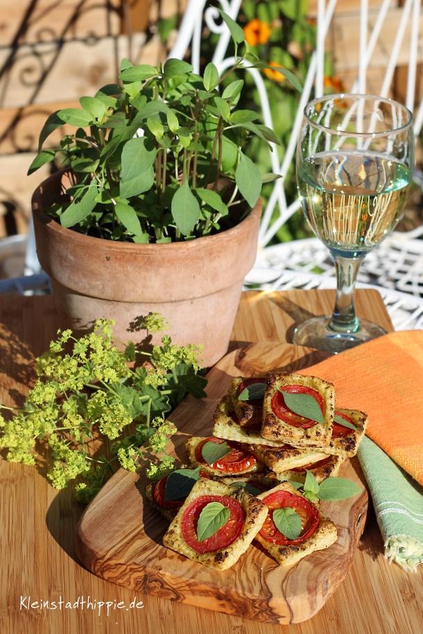 Tomaten-Blätterteig-Quadrate - Fingerfood vegan - vegane Rezepte von Kleinstadthippie