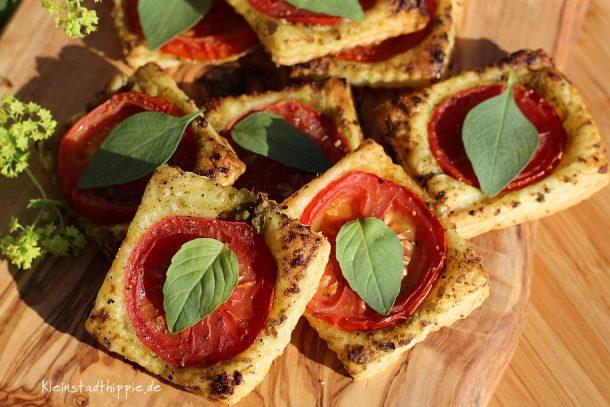 Tomaten-Blätterteig-Quadrate