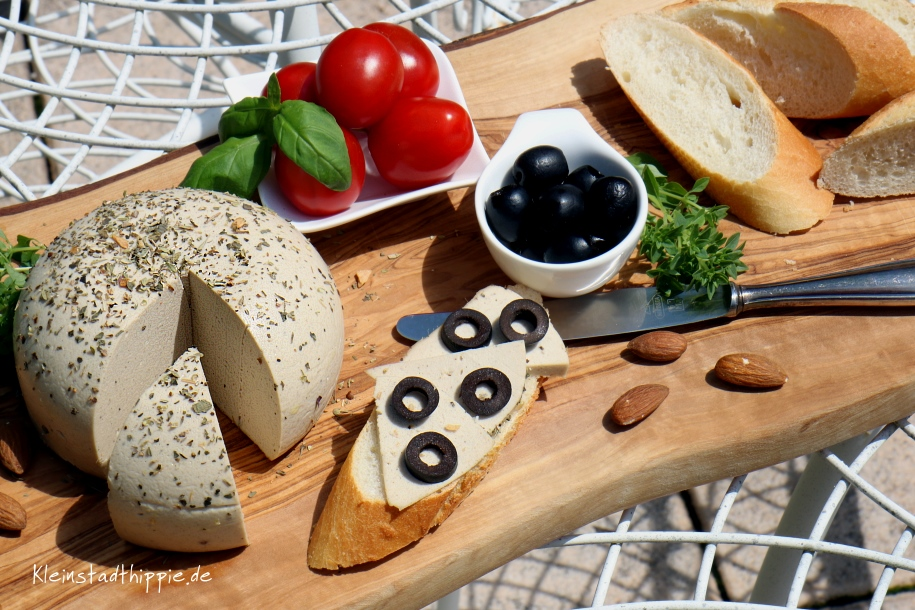 Mandel-Kräuter-Käse vegan