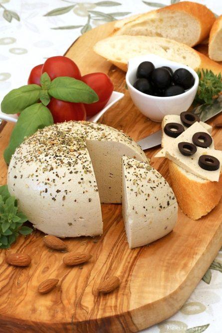 Mandel - Kräuter - Käse vegan