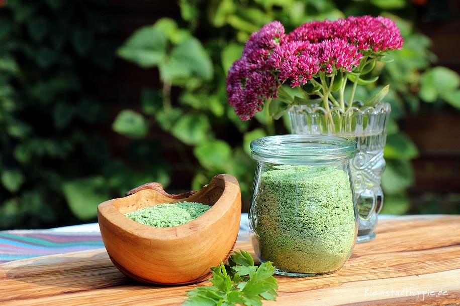 Liebstöckelsalz Salz aus Maggikraut - vegane Geschenke - Liebstöckel-Salz Liebstöckelsalz - Maggikrautsalz