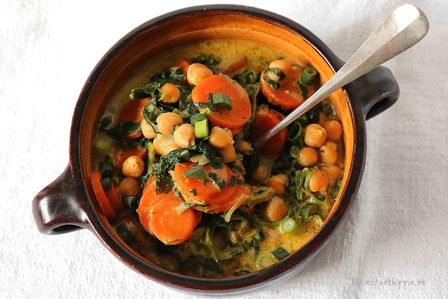 Kichererbsen-Karotten-Curry mit Blattspinat