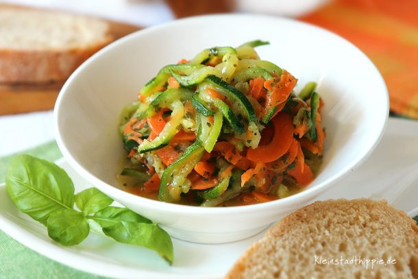 Zucchini-Karotten-Salat
