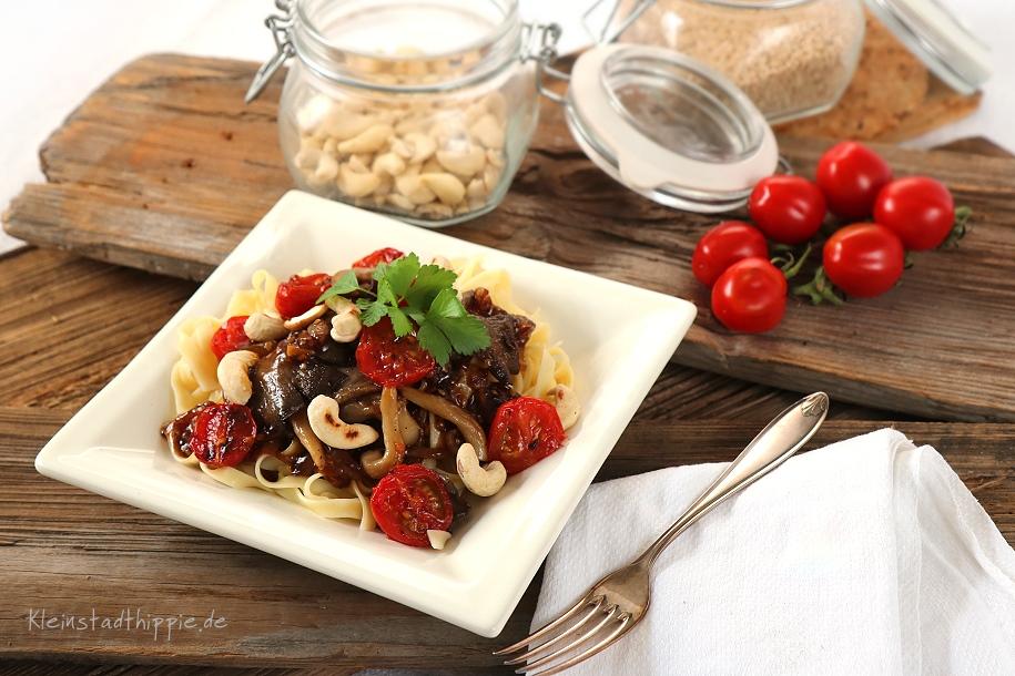 Tagliatelle mit Austernpilzen - vegane Nudelgerichte von Kleinstadthippie