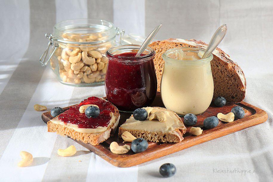 Herrliche Creme aus Cashewkernen - Brotaufstrich - vegan - proteinreich