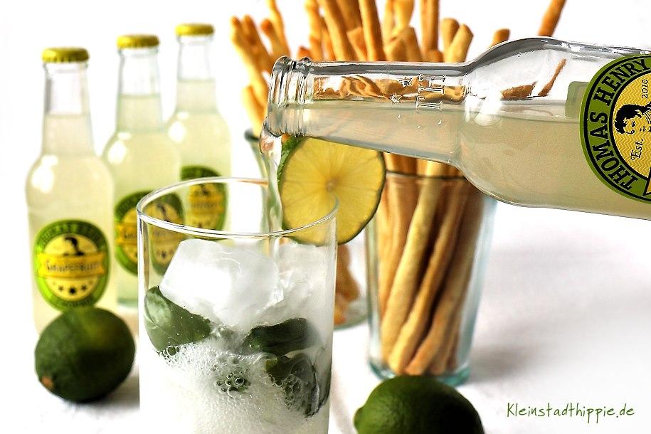 Basil Lemonade - Longdrink mit Thomas Henry Ultimate Grapefruit Grissini - Basil Lemonade mit Thomas Henry Ultimate Grapefruit