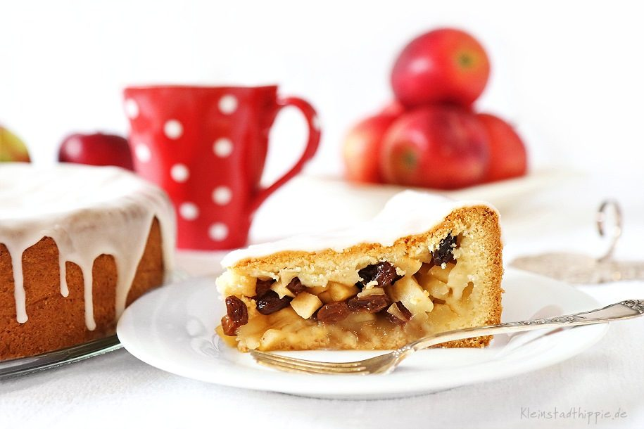 Gedeckter Apfelkuchen saftig und lecker