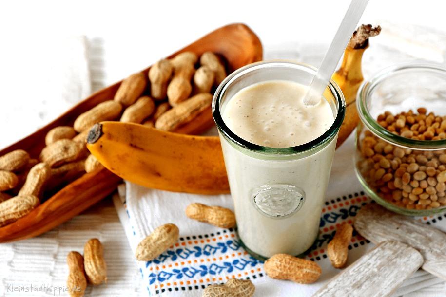 Bananen-Erdnuss-Shake