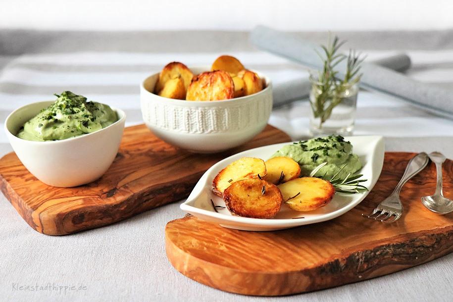 Blechkartoffeln mit grünem Quark - veganes für den kleinen Geldbeutel