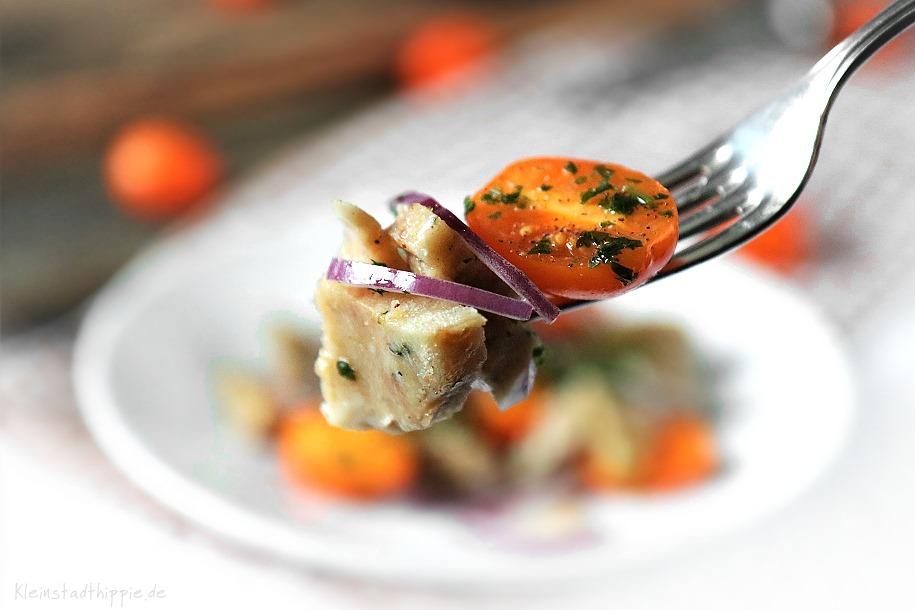 Salat aus Semmelknödeln
