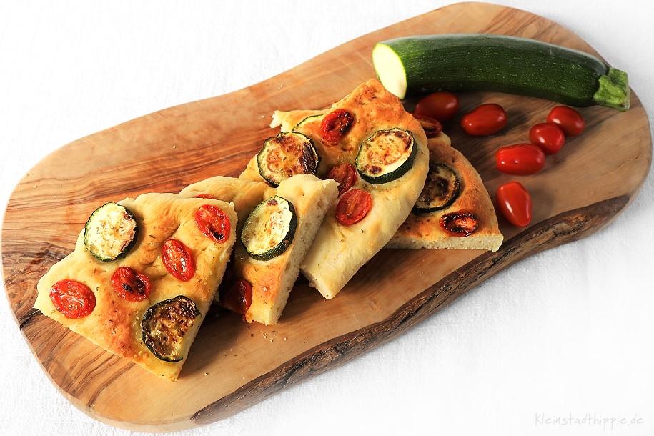 Fladenbrot mit Gemüse aus dem Airfryer