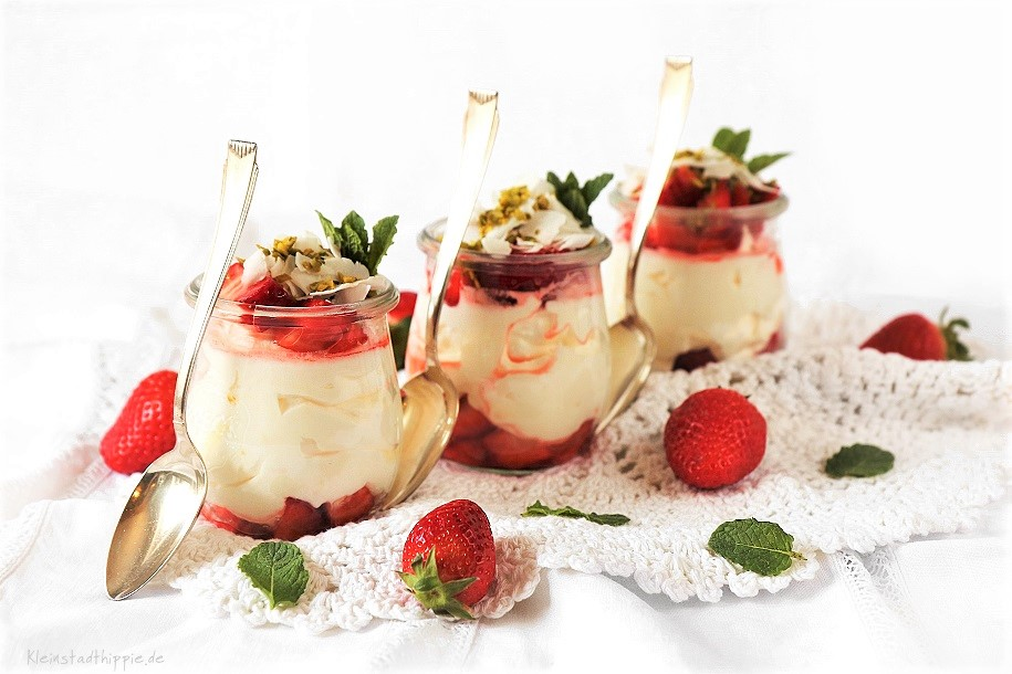 Vanille-Erdbeer-Dessert