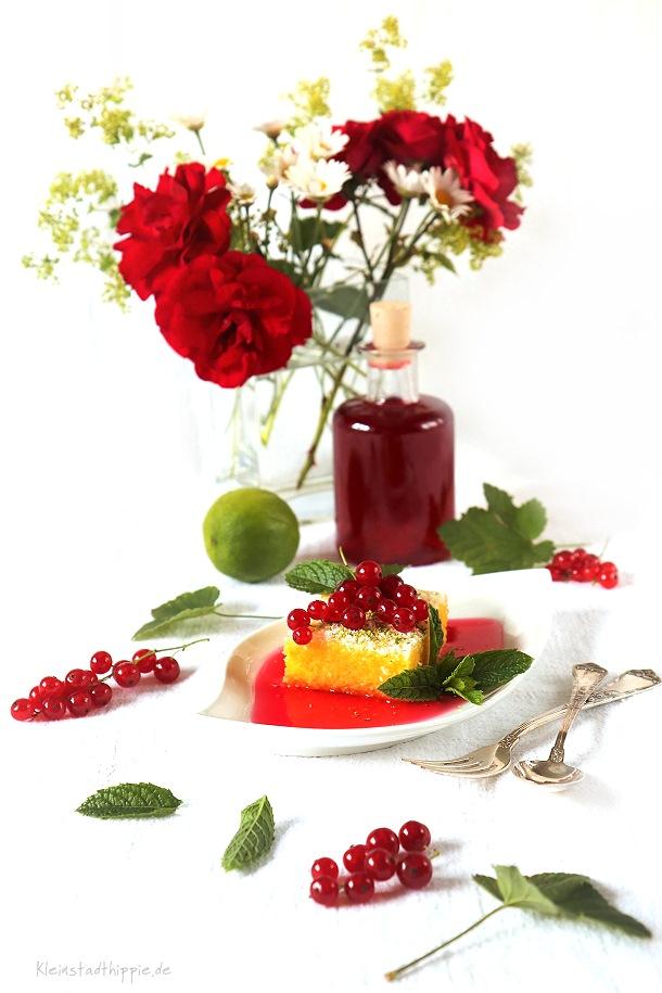 Polentapudding mit Johannisbeersirup. und Limetten Veganes Dessert