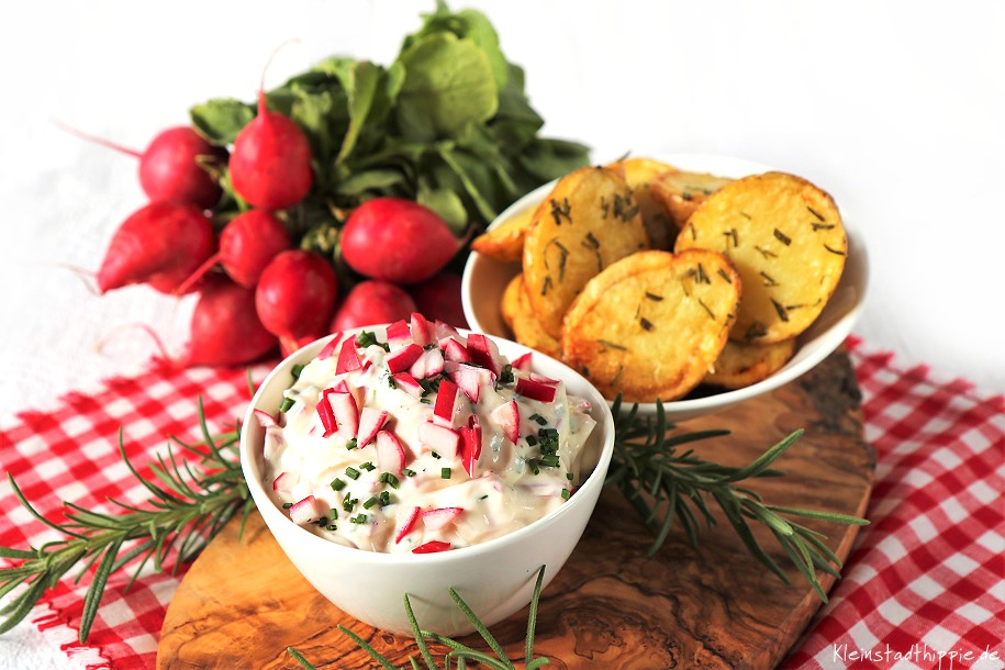 Rosmarinkartoffeln mit Radieschenquark