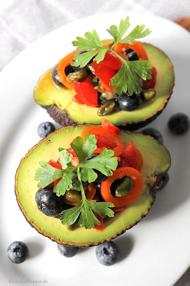 Gefüllte Avocado - Low Carb - Antipasti - vegane Tapas