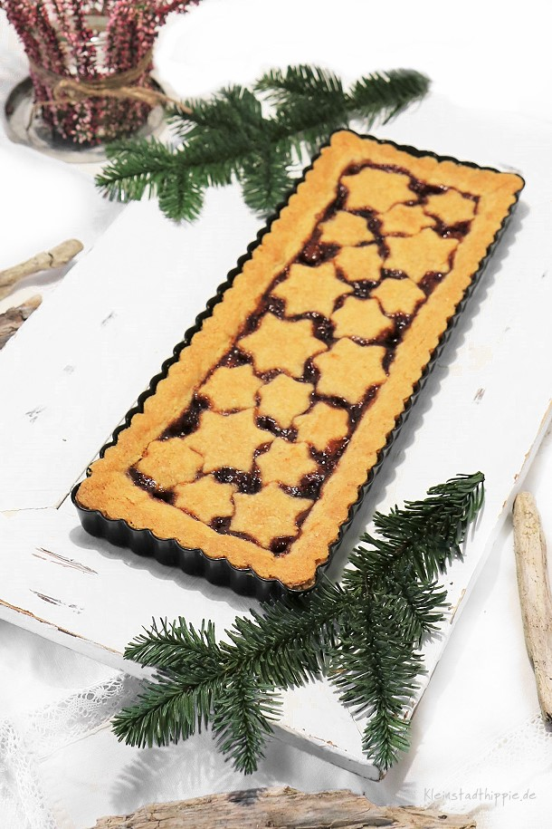 Weihnachtliche Linzer Torte - vegane Linzer Torte von Kleinstadthippie