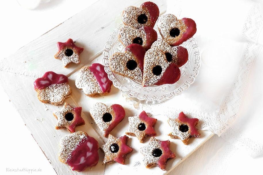 Barbaras Heidelbeerplätzchen - vegane Spitzbuben mit Heidelbeergelee