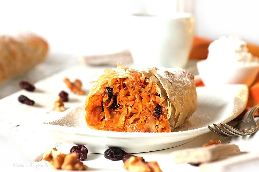 Süßer Kürbis-Karotten-Strudel mit Cranberrys und Walnüssen