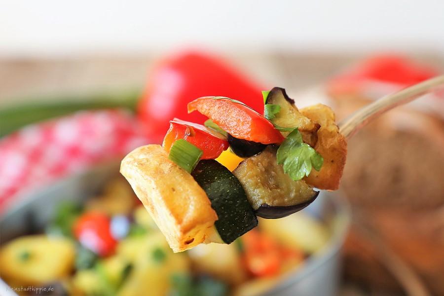 Bunter Ofengemüse-Kartoffelsalat