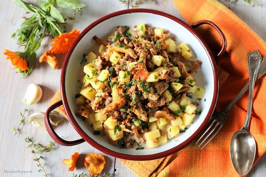 Pfifferling-Kartoffelpfanne mit veganem Hack - Wunderbares Herbstrezept