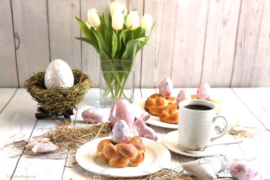 Osternester aus Hefeteig, ein Hingucker auf dem veganen Frühstückstisch