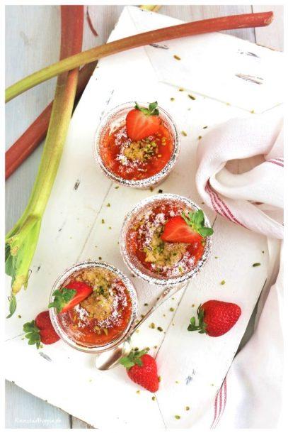 Rhabarber-Erdbeer-Crumble vegan