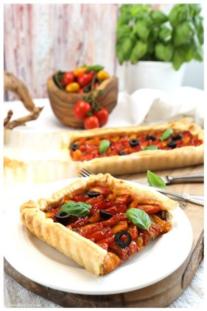Vegane Tomatentarte mit Oliven-Tapenade