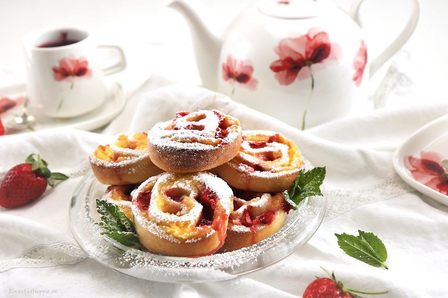 Vanille-Erdbeer-Schnecken
