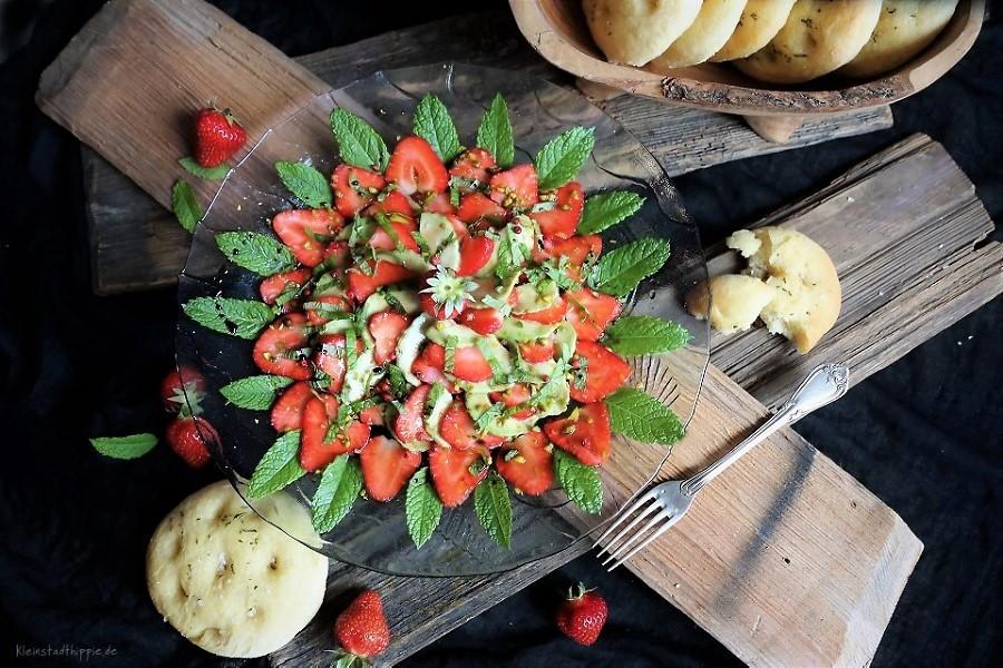 Erdbeer-Avocado-Carpaccio