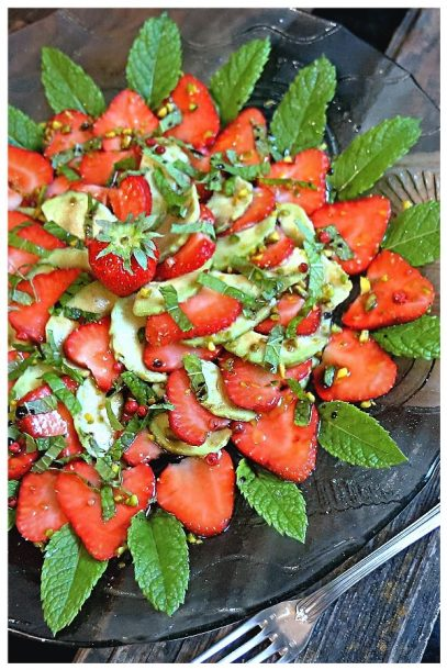 Erdbeer-Avocado-Carpaccio - Urlaubsgefühle auf dem veganen Teller